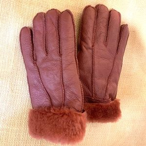 Lamb fur gloves